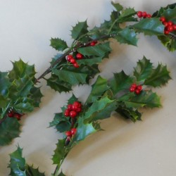 Artificial Holly Berry Garland 180cm - X20003