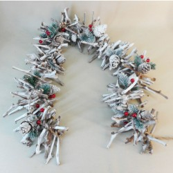 Christmas Garland Twigs Cones Berries and Spruce - X19302