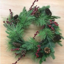 Artificial Christmas Wreaths Spruce Pine Cones and Berries 60cm - X20043