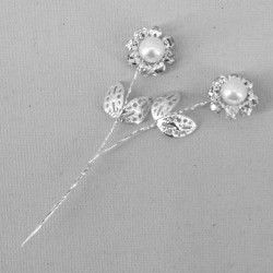 Vintage Diamante Flower Picks White (6 pack) - CRY047
