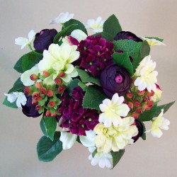 Zinnias Ranunculus and Berries Posy Aubergine - Z031 BX3